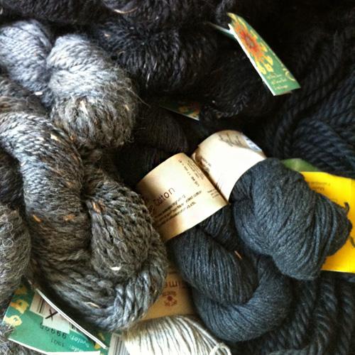 akapana yarn