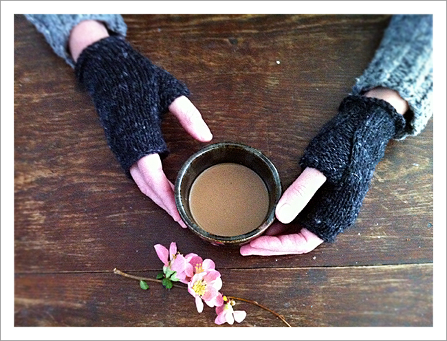 wabi mitts fingerless gloves free knitting pattern