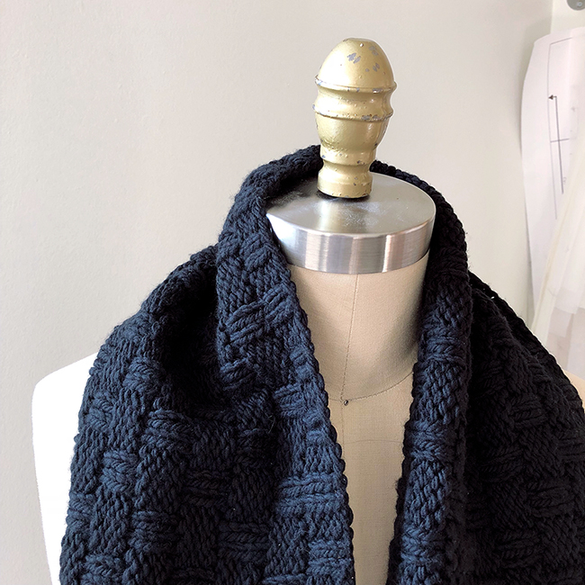 How to knit the Double Basketweave Cowl with chunky yarn | Fringe ...